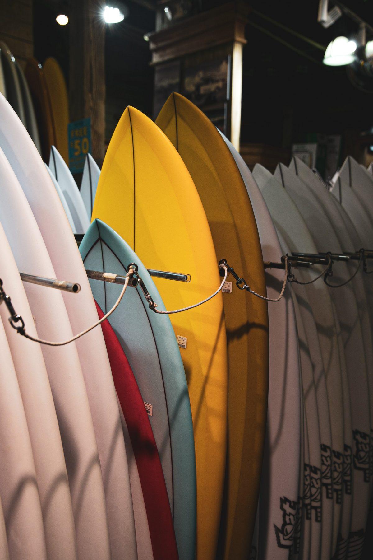 Wybór deski do wakesurfingu